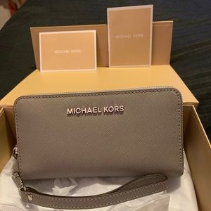 Gray leather Michael Kors wristlet
